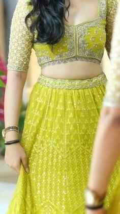 Party Wear Indian Dresses, Designer Party Wear Dresses, Indian Gowns Dresses, Indian Bridal Outfits, Indian Bridal Fashion, Dress Indian Style, Indian Fashion Dresses, Indian Designer Outfits, Beautiful Dress Designs