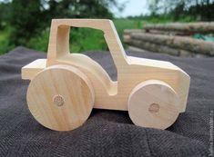 Деревянная машинка Трактор