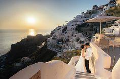Blue and White Paradise | Greece | Santorini | Overseas Pre-Wedding | Amazing | Scenery | Glistening Sea |  http://brideandbreakfast.hk/2016/11/05/blue-and-white-paradise/