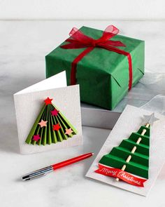 DIY 3-D Christmas-Tree Cards