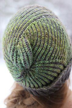 Askewsme hat by Stephen West
