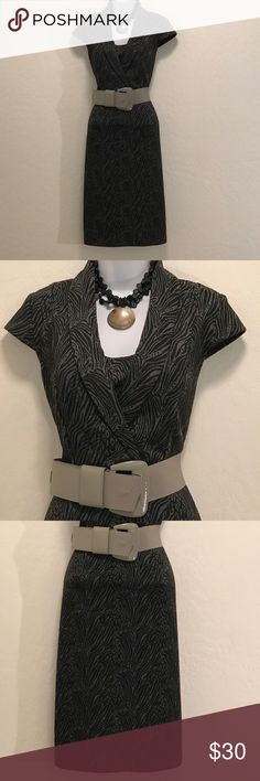 🎉2XHP🎉Classy Gray Black Career Dress Excellent Condition, Cap Sleeve, Stretch, Attached Camille, Knee-Length, Belt loop, no belt, Accessories not included, Dresses