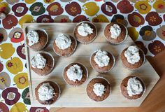 Neues Rezept online: Schoko-Kürbis-Cupcakes mit Maroni-Topping: http://www.mitmilch.at/pixi/archives/8636  perfect fall recipe: chocolate pumpkin cupcakes with chestnut topping: http://www.mitmilch.at/pixi/archives/8636