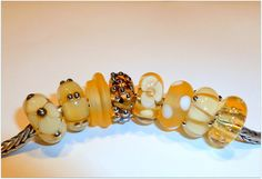 Luccicare Lampwork Bead Frosted Amber Swirl Lined от Luccicare
