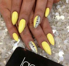 Yellow #nails #nailart