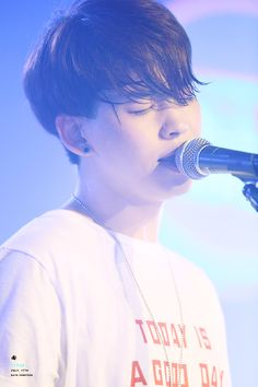Junhyeok former member, this kid is extremely talented and I am still going to pin him ❤️ This also happens to be a really beautiful picture of him and I can't help but hear 'Colors' as I look at it. Day6 Junhyeok, Lee Hong Bin, Kim Wonpil, Young K, Mamamoo Moonbyul, Do Kyung Soo, Asian Celebrities, Korean Bands, Kpop Groups
