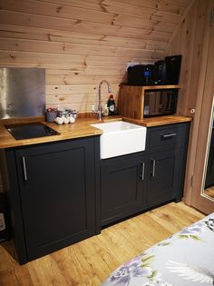 Fellhill luxury camping pods the best way to go glamping Luxury Glamping, Go Glamping, 3d Bathroom Design, Luxury Hotel Bathroom, Camping Pod, Campsite, Bathroom Accessories Luxury, Big Bathrooms, Bathroom Inspiration