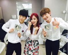 Zhoumi twitter update 19/5/2015  (with VIXX_HONGBIN)----------잘생긴 홍빈 예쁜 은정 그리고 나 ㅋㅋㅋ