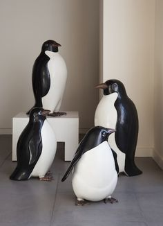 Robert Kuo Penguins in cream and black lacquer and antique copper Organic Form, Antique Copper, Decorative Objects, Penguins, Sculptures, Antiques, Cream, Black, Custard