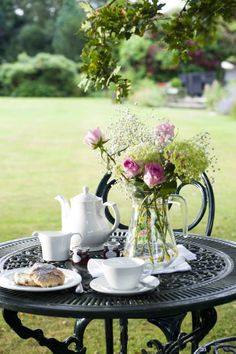 THERE can be few things as quintessentially English as afternoon tea on the lawn of a country manor, the sounds of croquet mingling with the ringing of church bells in the distance, and a copy of The Times crossword close at hand. Coffee Time, Tea Time, Coffee Presentation, Tea Companies, My Cup Of Tea, Rose Cottage, Macaron, Tea Recipes, Simple Pleasures