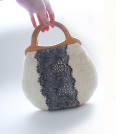 Small summer handbag with lace and wooden handles. Ready for shipping.