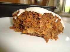 Luxury Carrot Cake. Best ever carrot cake! Recipe from www.easyhomemadecakes.com