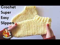 Learn to crochet super easy slipper socks. We are glad to share with you step by step instructions without missing details. Easy Crochet Slippers, Easy Crochet Hat, Crochet Slipper Pattern, Crochet Shoes, Crochet Gifts, Crochet Baby, Free Crochet, Crochet Patterns, Baby Slippers