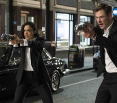 """Chris Hemsworth and Tessa Thompson fight aliens in new 'Men in Black' movie trailer. A new alien menace threatens earth in the newest trailer for """"Men in Black: International"""" starring Chris Hemsworth and Tessa Thompson. Men In Black, Tommy Lee Jones, Rebecca Ferguson, Tessa Thompson, Liam Neeson, Chris Hemsworth, Will Smith, Michael Sheen, Movies Coming Out"""