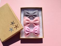 Grey, pink, and pink dot flannel bow lot for fall.  These are really cute bows.  on Etsy, $11.00