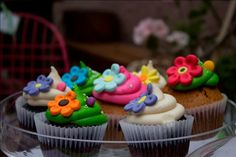 All You Need Is Cupcakes!: Amigos de AYNIC: Petite Margot