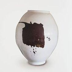 이수종(@reesoojong) • Instagram 사진 및 동영상 Snow Globes, Vase, Home Decor, Decoration Home, Room Decor, Vases, Home Interior Design, Home Decoration, Interior Design