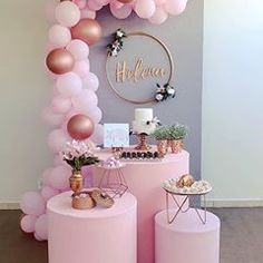 Searching for ideas on how to decorate home for a baby shower? Get fantastic baby shower decoration ideas to have a memorable and exciting event. Scary Decorations, Balloon Decorations, Baby Shower Table Decorations, Birthday Decorations, Pumpkin Centerpieces, Baby Shower Balloons, Gold Party, Colourful Balloons, Birthday Parties