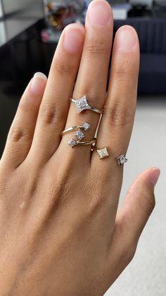 Fancy Jewellery, Cute Jewelry, Body Jewelry, Vintage Jewelry, Diamond Pendant, Diamond Rings, Diamond Jewelry, Gold Rings, Main Door