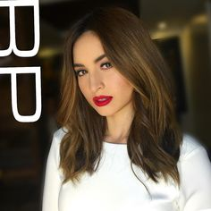 """""""So chic! @coleengarcia  Styled by @adrianneconcept  Makeup by @robbiepinera  #hairbyRP  #hair #makeup #coleengarcia #ExWithBenefitsThePremiere…"""""""