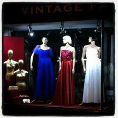 And the Oscar for best vintage dress goes to..... #oscars#vintage#redcarpet