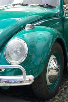 vw bug with lovely turquoise paint job! Volkswagen, My Dream Car, Dream Cars, Shades Of Turquoise, Turquoise Color, Vw Vintage, Little Boy Blue, Vw Cars, Beetle Car