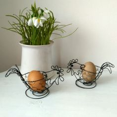Easter Crafts, Planter Pots, Wire, Ideas, Iron, Wire Ornaments, Easter, Vegetable Garden, Wire Art Sculpture