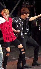 "jungkook be looking at jimin but jimin be like ""yoonmin is real"" Namjin, Busan, Jimin Jungkook, Bts Bangtan Boy, Taehyung, Jungkook Thighs, Yoonmin, Wattpad, Foto Bts"