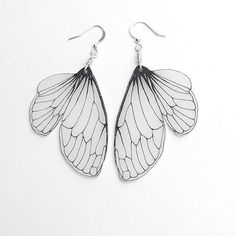 Insect Wings Jewelry Camila Taylor of Horseflesh creates unique pieces of jewelery featuring intricate depictions of the wings of specific insects such as: cicada, mayfly, and bumblebee. Wing Earrings, Dangle Earrings, Butterfly Earrings, Lace Earrings, Butterfly Wings, Aquamarine Earrings, Macrame Earrings, Diamond Earrings, Bee Wings