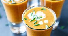 Receita de um maravilhoso shoot de sopa de tomate bem cremosa, acompanhada por um stick de queijo grelhado… www.carolcelico.com
