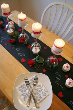 Valentine& Day DIY Dinner Tablescape: Don& worry about securing a table at a pricey restaurant—create your own romantic setting instead. Click through to find more DIY Valentine& Day decorations for your home. Diy Valentine's Day Decorations, Valentines Day Decorations, Decoration Table, Valentine Table Decor, Decor Ideas, Decorating Ideas, Valentines Day Tablescapes, Diy Ideas, Decor Diy