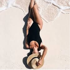 Resultado de imagem para tumblr girl fashion na praia