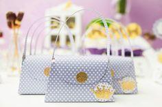 Bolsinha/sacolinha de scrap    Desenvolvemos este produto também em outras cores e temas    Possuimos opções de doces para acompanhar a bolsinha. Consulte-nos    Pedido mínimo 20 unidades R$ 4,20