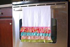 Ruffled Kitchen towel - tutorial tells you how to keep the towel from ending up on the floor