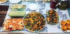 Toutes les spécialités de la gastronomie méditerranéenne se dégustent dans le bouillonnant quartier de Noailles, le cœur et le ventre de la...