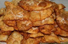 TORREJAS Ingredients: ½ liter of milk. ½ kg. Baking Recipes, Snack Recipes, Snacks, Venezuelan Food, Venezuelan Recipes, Mexican Sweet Breads, Colombian Food, Cuban Recipes, Latin Food