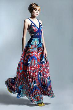 Kris Jane Oceanic Printed Silk Cutout Maxi Dress by Carnet de Mode Pleated Maxi, Floral Maxi Dress, Valentino, Motifs Textiles, Pose, Summer Fashion Trends, Silk Crepe, Cute Dresses, Maxi Dresses