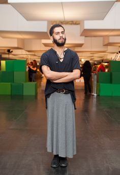 Smile dude, your look is amaze! | 33 Men Rocking Skirts