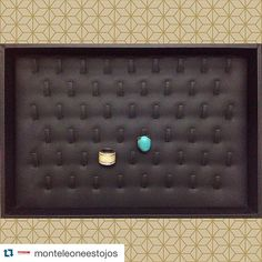#mulpix  #Repost @monteleoneestojos with @repostapp. ・・・ A Monte Leone Estojos tem a melhor opção para destacar e valorizar seus anéis na hora da venda! A bandeja de pino é fabricada com excelente acabamento e matéria-prima de qualidade superior!   #anel  #aneis  #joias  #semijoias  #bandeja  #brincos  #pulseiras  #luxo  #fa  #fasaopaulo  #prata  #ouro  #portajoias