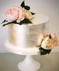 Whether you're celebrating the arrival of a new baby, or Christening your bundle of joy, give the occasion an extra special touch with a gorgeous cake by Pretty Parties. Confirmation Cakes, Gorgeous Cakes, Custom Cakes, Communion, Christening, New Baby Products, Pretty, Baby Showers, Parties