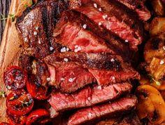 Egy finom Őzcomb sütve ebédre vagy vacsorára? Őzcomb sütve Receptek a… Budapest, Steak, Paleo, Hunters, Kitchen, Drink, Food, Cooking, Beverage