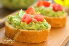 Cooking for better nutrition and weight management doesn't have to mean hours in the kitchen or complicated culinary techniques. These meals and snacks, part of our ''Fit Food'' Challenge, are quick, easy, and full of flavor! Appetizer Sandwiches, Appetizer Salads, Healthy Appetizers, Appetizer Recipes, Quick Healthy Meals, Healthy Cooking, Cooking Recipes, Healthy Recipes, Avocado Bruschetta Recipe
