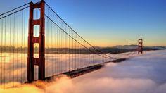 Golden Gate Sumergido En La Niebla