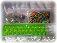 Tutorial pulsera de gomitas: Copia de la Raimbow Loom Rainbow Loom Storage, Big Pools, Cube, Tray, Diy Crafts, Loom Bands Tutorial, Loom Bands, Tutorials, Manualidades