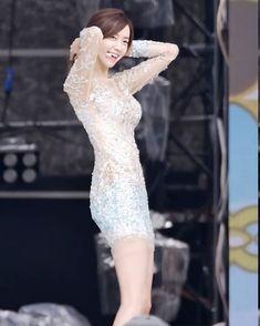 Yoona, Snsd, Im Yoon Ah, Sexy Jeans, Girls Generation, Asian Woman, Asian Beauty, Korean, Kpop