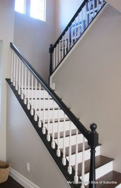 DIY::How to Paint Stair Rails Like A Pro (Excellent Tutorial) Wished I had naked stairs with no carpet on them. Wonder what's beneath my carpeted stairs? - Home Decor House Design Painted Staircases, Painted Stairs, Painted Stair Railings, Spiral Staircases, Black Stair Railing, Stair Banister, Stair Treads, Black Staircase, Home Renovation