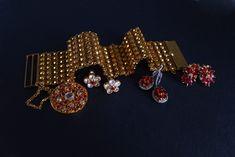 22k Antique Gold Lace Bracelet Charm Pendant Chinese Lace Bracelet, Bracelet Set, Friendship Presents, Chinese Takeaway, Diamond Earrings, Stud Earrings, The Golden Years, Gold Work, Gold Lace