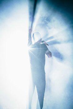Adam Levine. Maroon V Tour Wembley
