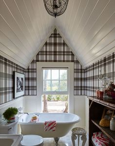 Alexis and Trevor Traina restore a kit house and grounds to create a nostalgic family idyll in Napa. Plaid Wallpaper, Black And White Interior, Bathroom Wallpaper, Kit Homes, Farmhouse Design, Farmhouse Ideas, Tartan Plaid, Kitchen Flooring, Old Houses
