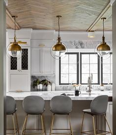 Wood ceiling // brass pendants over kitchen island // gray stools Best Modern Kitchen Lighting Ideas and Tips Decor, Kitchen Remodel, Kitchen Design, House Design, Rustic Chic Kitchen, Stylish Kitchen, Chic Kitchen, Interior Design, Home Decor